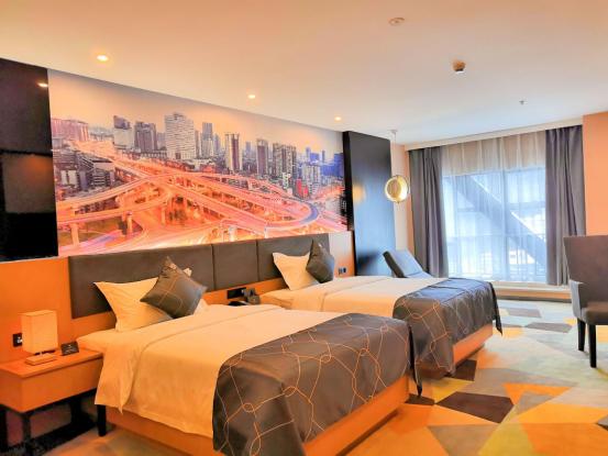 """一年内收录2000家酒店,非繁品牌激活存量市场"""""""